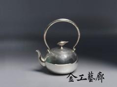 沐Ⅴ  銀壺